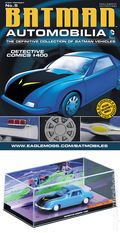 Batman Automobilia: The Definitive Collection of Batman Vehicles (2013 Figurine and Magazine) FIG-05