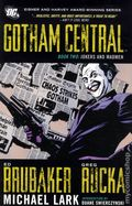 Gotham Central TPB (2011-2012 DC) Deluxe Edition 2-1ST