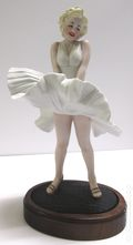 Seven Year Itch Marilyn Monroe Figurine (1982 Royal Orleans) K18962