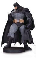 DC Designer Series: Batman Mini Statue (2017 DC Collectibles) Andy Kubert ITEM-1