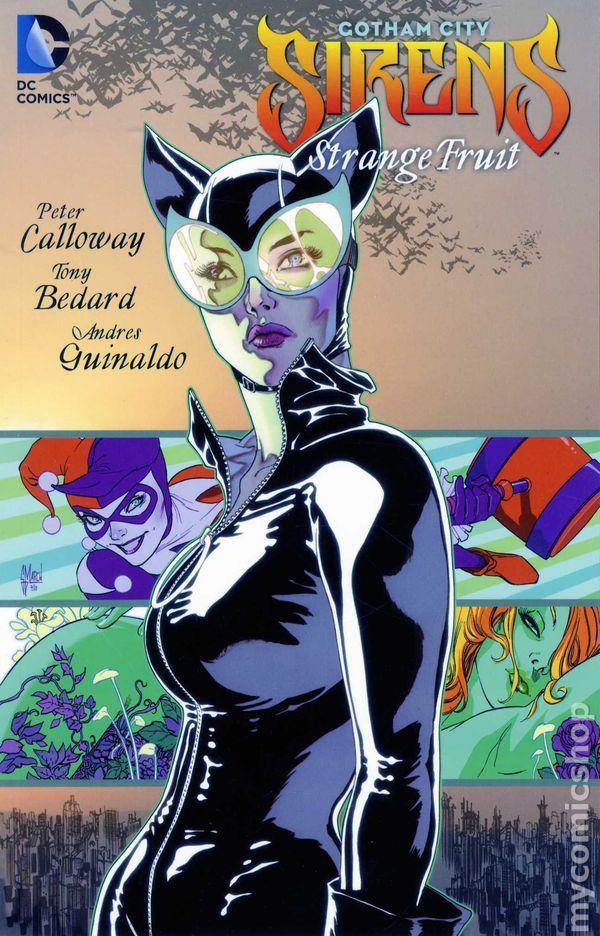 Comic books in 'Gotham City Sirens'
